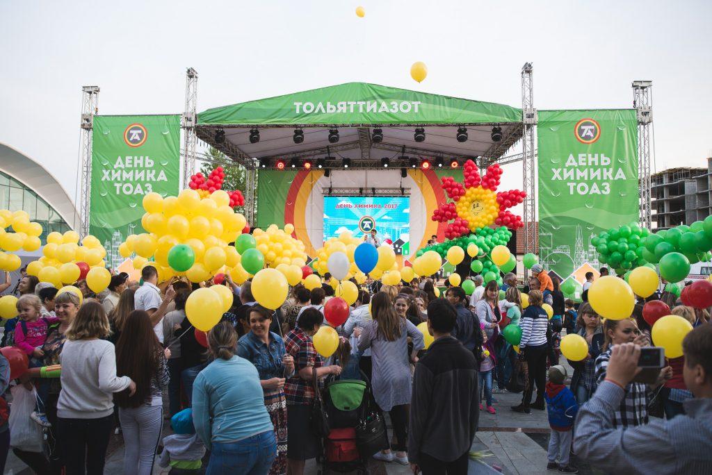 Уличные фестивали для тысяч зрителей